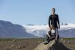 junges Paar vor dem Gletscher Langjökull,Island