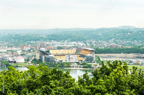 Photo  View of Heinz field in with Allegheny river in Pittsburgh, USA