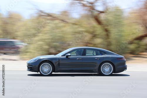 Obraz na plátně Porsche Panamera Blur