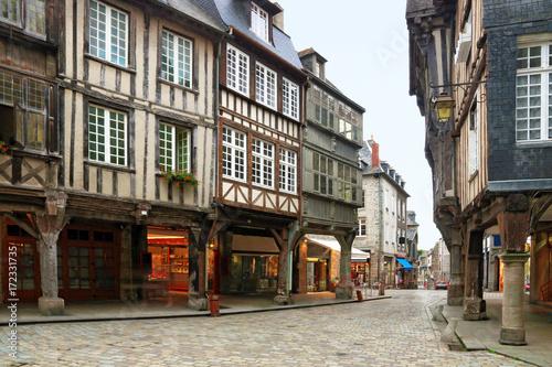 Fotografie, Obraz  Vieille rue de Dinan