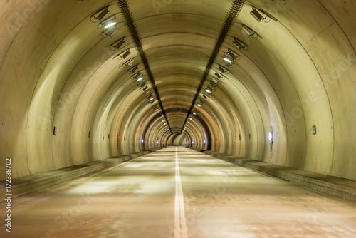 Spoed Foto op Canvas Tunnel トンネル