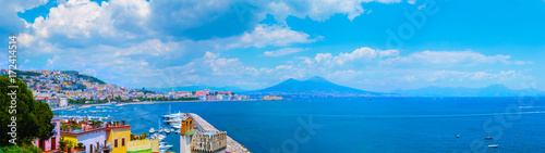 Garden Poster Napels Panorama of Naples, view of the port in the Gulf of Naples and Mount Vesuvius. The province of Campania. Italy.