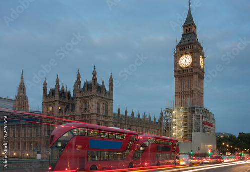 Stampa su Tela Westminster bridge, Big Ben in the morning
