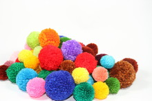 COLORED WOOL POMPONES FABRIC FASHION ACCESSORIES