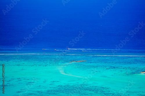 Papiers peints Turquoise LAGON EN POLYNESIE