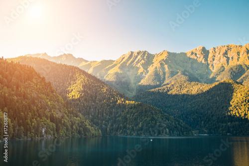 Photo Beautiful lake ritsa in Abkhazia