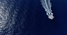 Sillage De Bateaux En Mer En V...