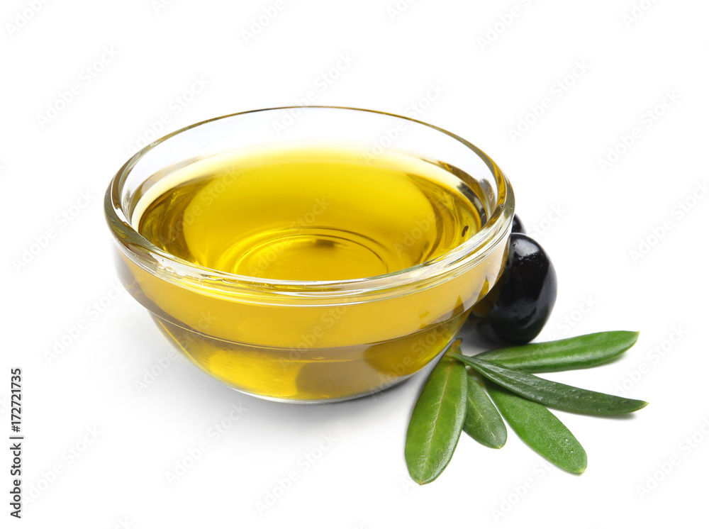 Fototapety, obrazy: Bowl with olive oil isolated on white