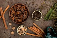 Spices: Cloves, Cinnamon, Star...