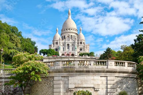 фотография The Sacre Coeur Basilica in Montmartre, Paris
