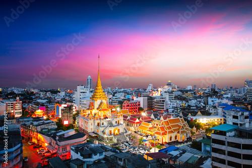 Spoed Foto op Canvas Bangkok Wat Trimitr in chinatown or yaowarat area in Bangkok city, Thailand