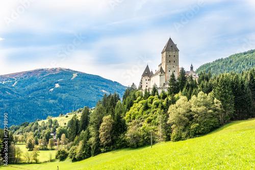 Foto op Plexiglas Kasteel View at the Moosham castle near Tamsweg in Austria