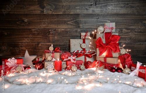 Kleiner Weihnachtskalender.Adventskalender Kleine Päckchen Im Lichterglanz Buy This Stock