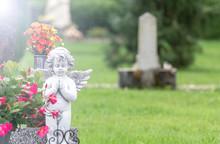 Engel Wacht über Grab