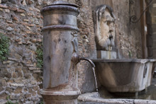 """A Typical Fountain Named """"naso"""