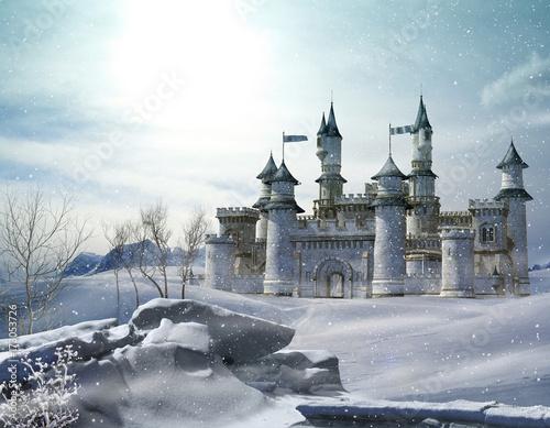 Zaczarowany zimowy bajkowy zamek księżniczki