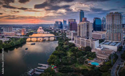 Autocollant pour porte Texas Downtown Austin, Texas during sunset