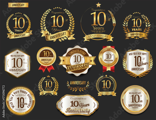 Photo  Anniversary golden laurel wreath and badges 10 years vector collection
