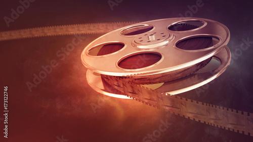 tasma-filmowa-na-rozmytym-tle-w-ciekawej-perspektywie