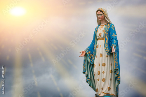 Foto op Aluminium Historisch mon. Virgin Mary statue and sunset at the Catholic Church Chanthaburi province, Thailand.