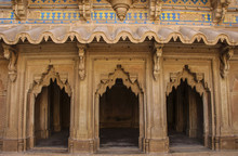Mughal Style Wall Ornaments, Man Singh Palace. Gwalior Fort In Madhya Pradesh, India