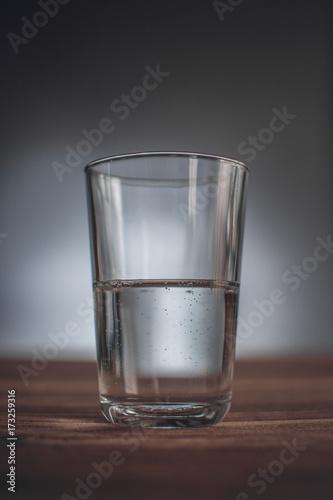 Photo Ist das Glas halb voll oder halb leer?