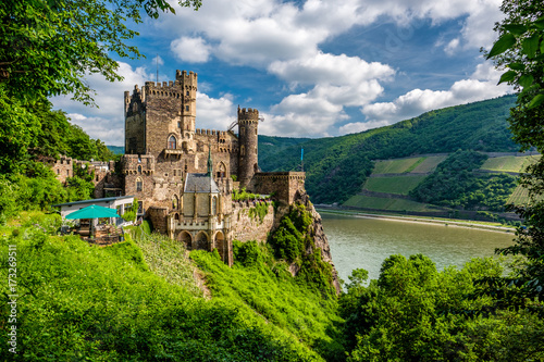 Obraz Rheinstein Castle at Rhine Valley (Rhine Gorge) in Germany - fototapety do salonu