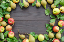 Frame Of Apples And Pears On D...