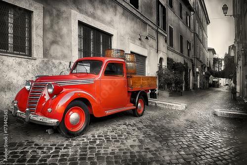 czerwony-samochod-retro