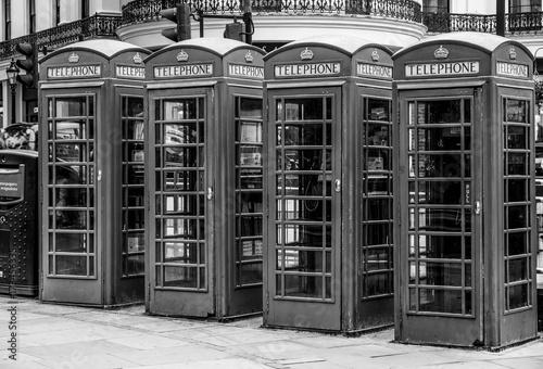 budki-telefoniczne-w-londynie