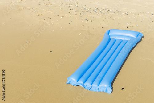 Air mattress on the beach Fototapet