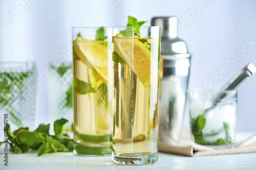 Valokuvatapetti Two glasses with mint julep on kitchen table