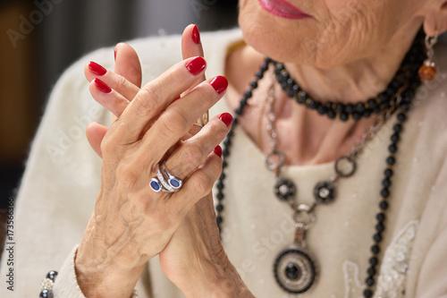 Stampa su Tela Senior woman luxury with manicure