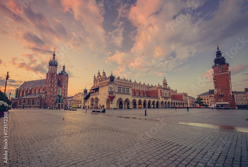 Fototapeta St Mary's church, cloth hall and town hall on Main Market Square in Krakow, colorful morning obraz