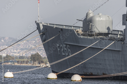 Fototapeta Okręt wojenny na morzu