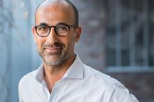Portrait Om Man Wearing Eyeglasses