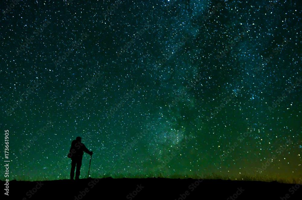 Fototapety, obrazy: Yıldızları İzleyen Dağcı
