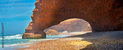Cadres-photo bureau Marron huge natural arches on the Atlantic coast of Morocco