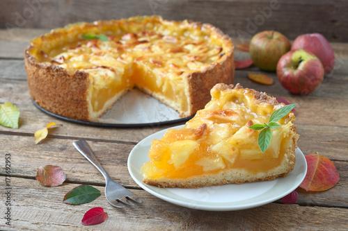 Apfel-Wein Kuchen