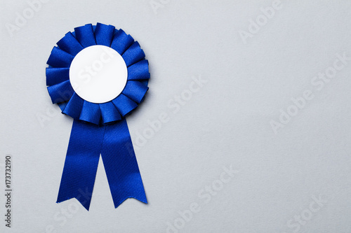 Photo First place award rosette with blank white centre