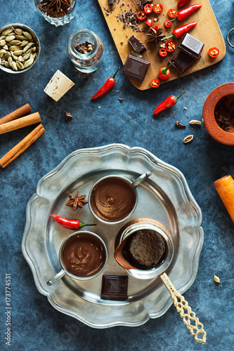 Spoed Foto op Canvas Chocolade Spicy Chile Mexican Hot Chocolate with Ingredients