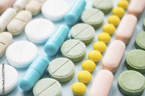 Stampa su Tela  Opioid painkillers crisis and drug abuse concept