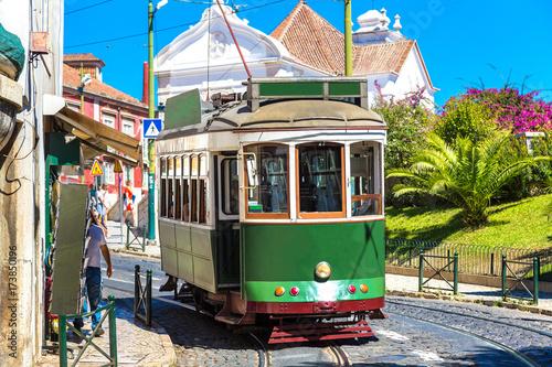 Keuken foto achterwand San Francisco Vintage tram in Lisbon