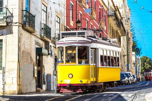 Zdjęcie XXL Vintage tramwaj w Lizbonie