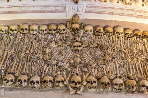 Papel de parede Chapel of Bones in Evora, Portugal