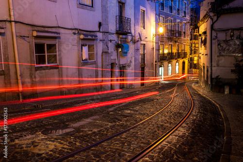 Plakat Stara europejska ulica przy nocą
