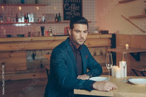 Fototapety, obrazy: stylish man in restaurant