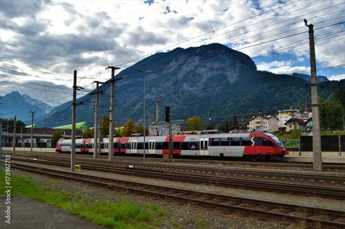 Zdjęcie XXL Pociąg i krajobraz górski