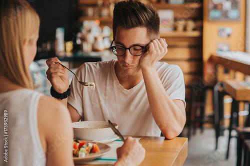 Fotografia Portret mężczyzny bez apetytu