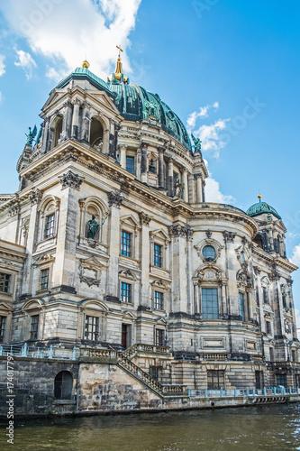 Платно  Berlin - Dom